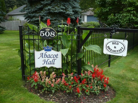 Abacot Hall Bed & Breakfast: Entrance