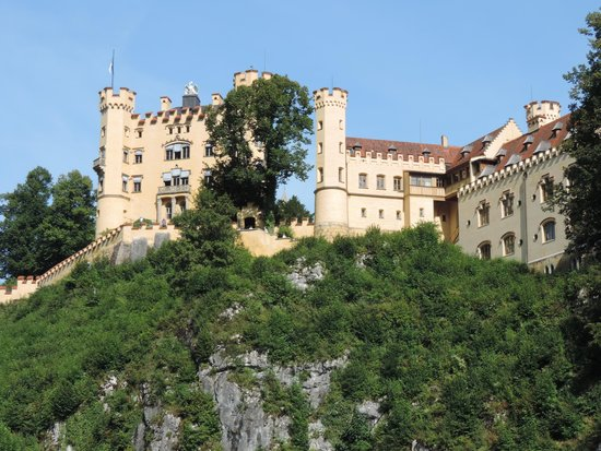 Schloss Hohenschwangau: You have to walk up to the castle