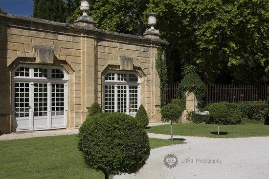Chateau de la Pioline : In front of the hotel