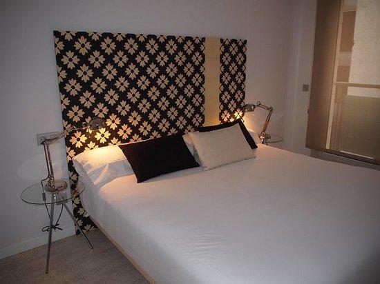 Eric Vökel Boutique Apartments - Atocha Suites: Bed room
