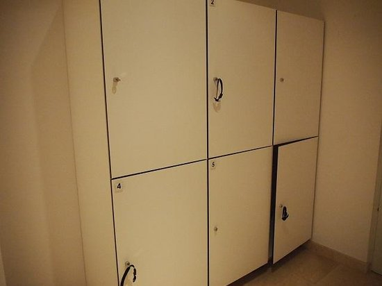 Eric Vokel Boutique Apartments - Atocha Suites : Locker at out side of room