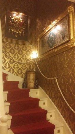 Sultan Tughra Hotel: Subida habitaciones