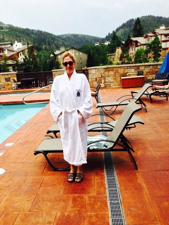 The Chateaux Deer Valley: Poolside at The Residences