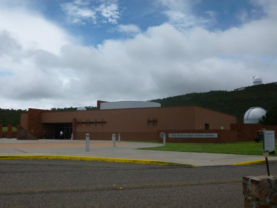 McDonald Observatory: The Visitor's Center has handicapped access.