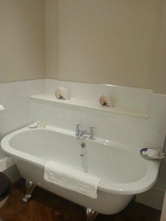 Llangoed Hall: Bath