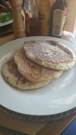 Cafe Breeze: Banana Pancakes