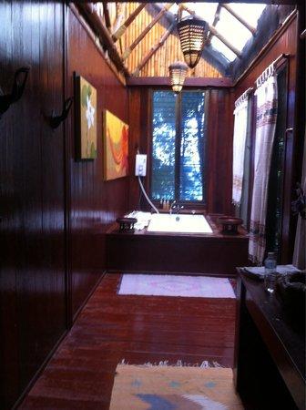 Viking Natures Resort : Salle de bain avec vue sur koh phi phi ley!!!