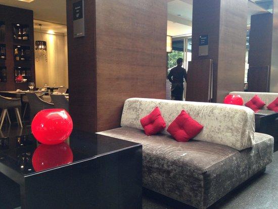 Hotel Olivia Plaza: Stunning lobby