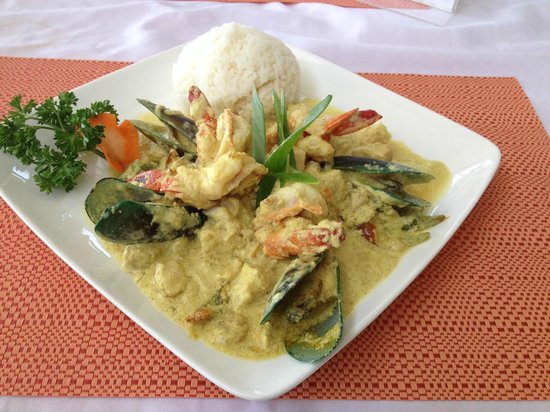Papa Fred's Steakhouse: Seafood Curry