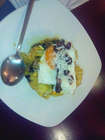 o rincon dos barcos: Patatas setas huevo y virutas de cecina