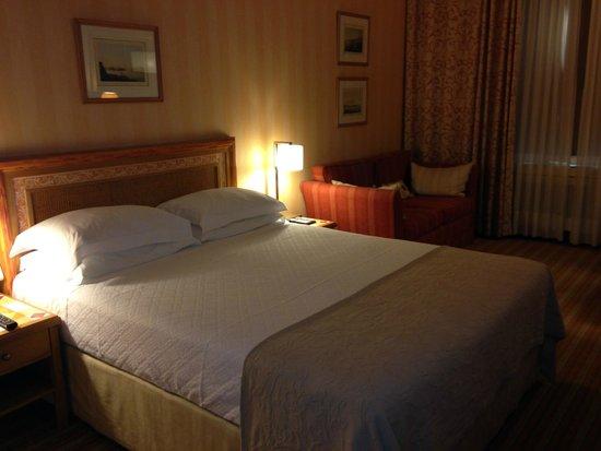 Hotel Lisboa Plaza: Habitación