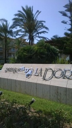Prinsotel La Dorada: Entrance to Hotel.