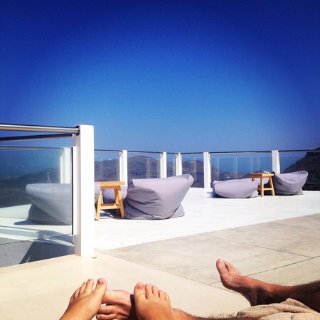 Rocabella Santorini Hotel & Spa: View from the top pool - bliss!