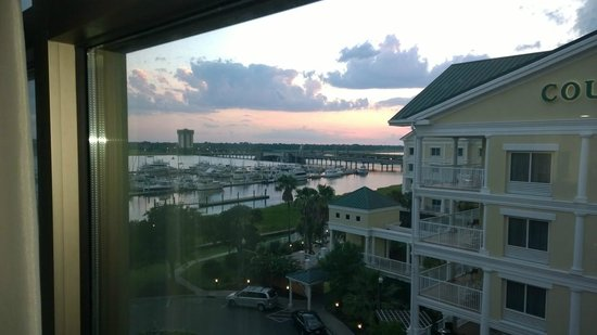 """Hilton Garden Inn Charleston Waterfront/Downtown : View from room that is not """"water front"""""""
