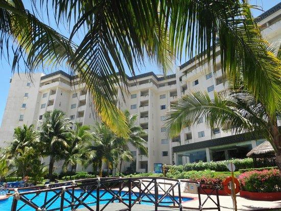 Casa Maya Cancun: Área de alberca.