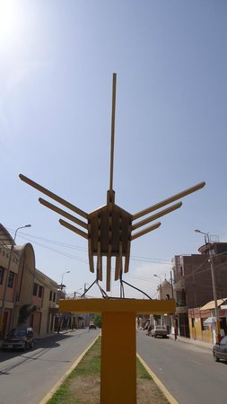 El Colibrí: Vecino de Nazca House