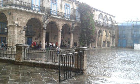 Plaza de la Catedral: Empty during rain