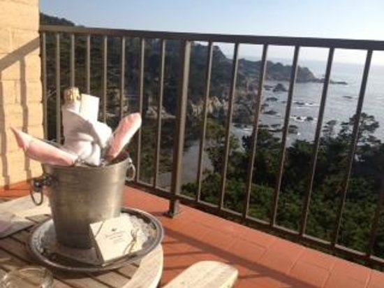 Tickle Pink Inn: Champagne on our private terrace
