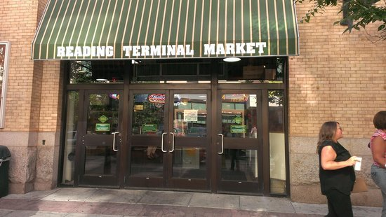 Reading Terminal Market: entrance