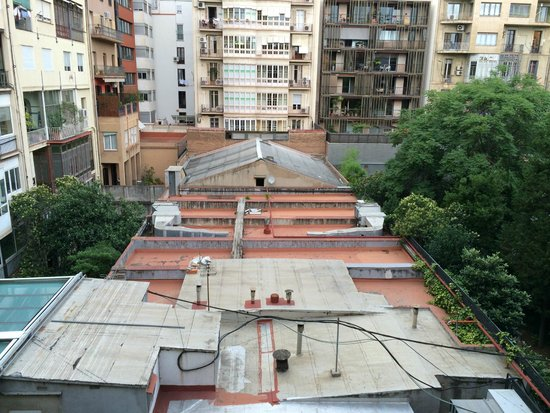 Alexandra Barcelona A DoubleTree By Hilton : Внутренний двор