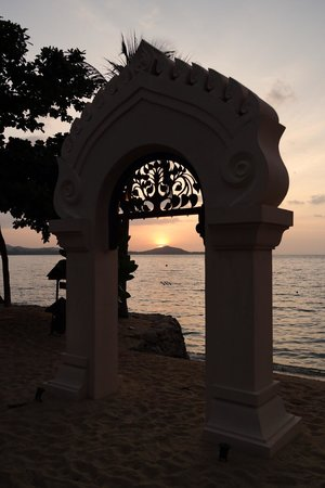 Fair House Villas & Spa: Sunset