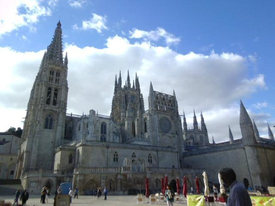 AC Hotel Burgos by Marriott: the cathedral - a 3 minutes' walk from the hotel
