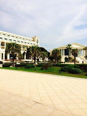 Hotel Las Arenas Balneario Resort: Beautiful exterior :)