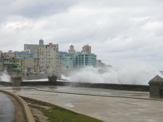 El Malecon : When you want a shower