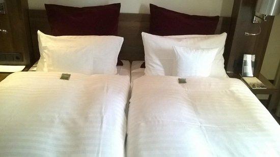 Fleming's Hotel Frankfurt Main-Riverside: Bed