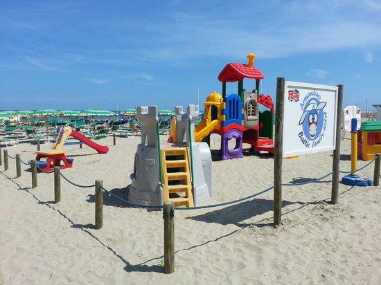 Hotel Baltic : Giochi in spiaggia