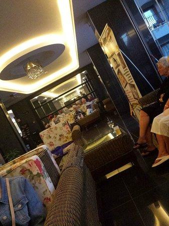 Club Viva Hotel : Downstairs