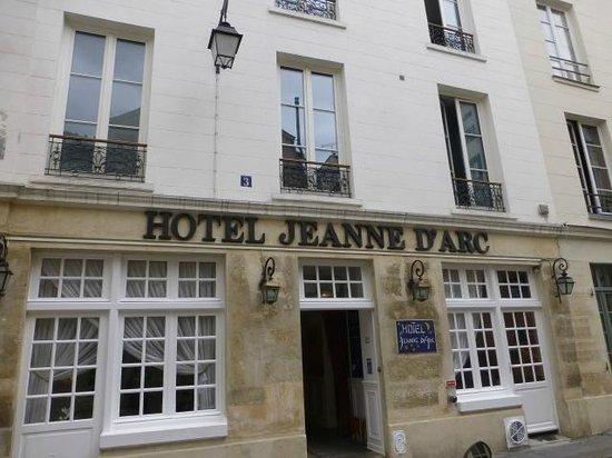Hotel Jeanne d'Arc: Hotel Entrance