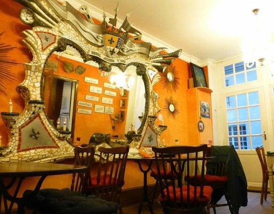 Hotel Jeanne d'Arc: Breakfast Room