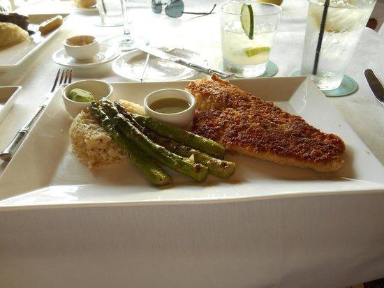 Tommy Bahama Restaurant & Bar: delicious fish