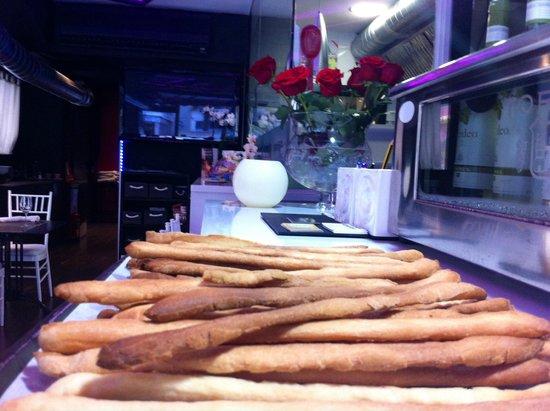 Aragona Cucina Italiana: HOMEMADE BREAD