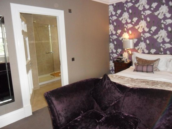 Fonab Castle Hotel: castle signature room