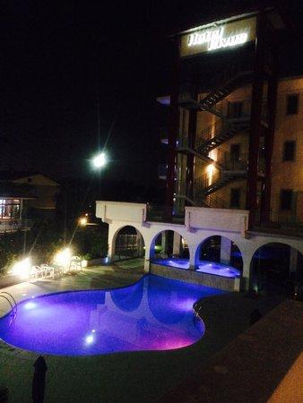 Hotel Rivus : Di notte