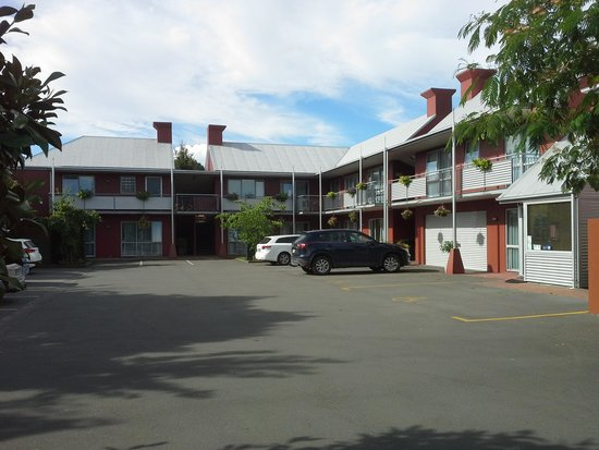 ASURE 306 On Riccarton Motel : 306 Aspire On Riccarton from the road