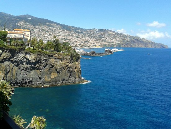Hotel The Cliff Bay: View from room on Funchal