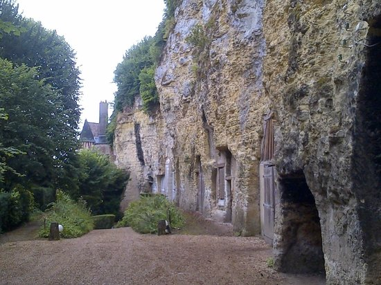 Le Choiseul: Hotel grounds