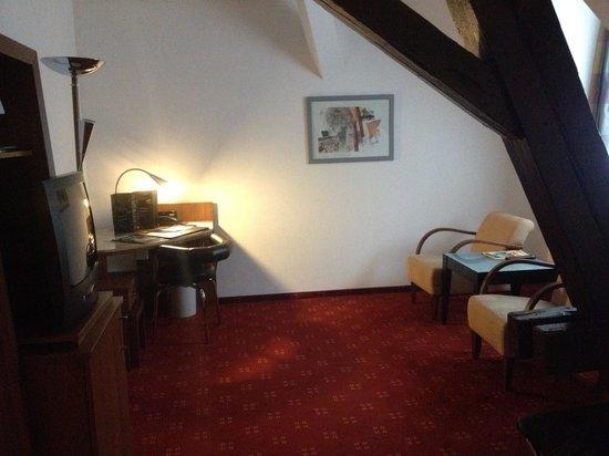 NH Heidelberg: habitación