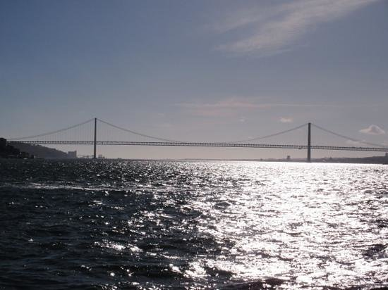 Vasco da Gama Bridge : from the ferry