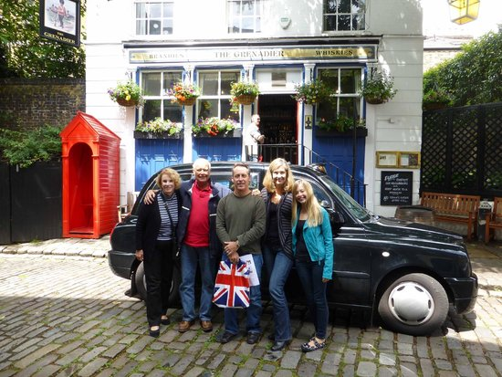 London Black Taxi Tours : The Taxi and us outside the Grenadier Pub