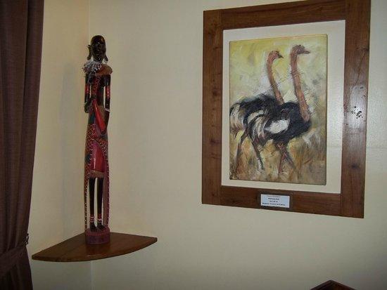 Neptune Ngorongoro Luxury Lodge : Living room decorations