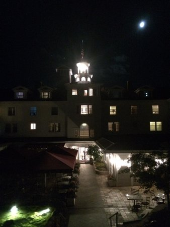 Stanley Hotel : Back of the hotel