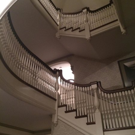 Stanley Hotel: Staircase