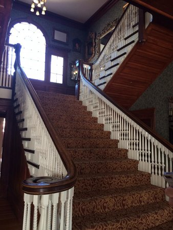 Stanley Hotel: Lobby Staircase