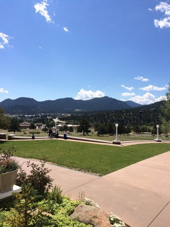 Stanley Hotel: Grounds