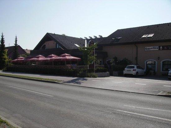 Guest House Bajc: vista dalla strada