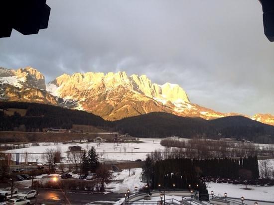 Sporthotel Ellmau: Blick am Morgen auf den Wilden Kaiser